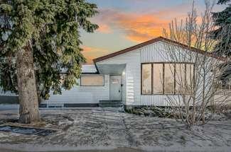 Fairview Calgary Homes